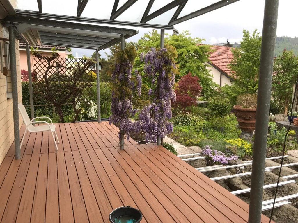 התקנת דק סינטטי של חברת TREX - מומחים בדק סינטטי לגינה, דק למרפסת שמש ודק לחצר