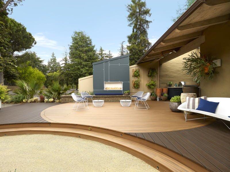 דק סינטטי מכופף של חברת TREX - מומחים בדק סינטטי לגינה, דק למרפסת שמש ודק לחצר
