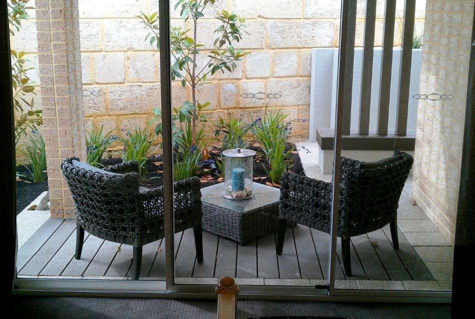 דקים סינטטיים של חברת TREX, יתרונות וחסרונות - טרקס מומחים בדקים סינטטיים לחצר, דק לגינה ודק למרפסת