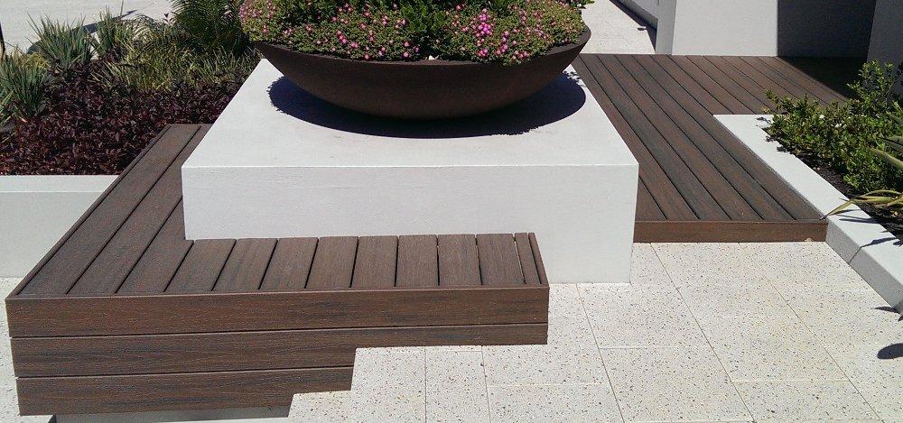 חיפוי קיר בלוחות עץ - TREX מומחים בייצור והתקנה של דקים סינטטיים, מעקות חוץ וחיפוי קירות חוץ סינטטיים, אחריות ל25 שנים, ללא צורך בתחזוקה ועמידים בכל תנאי מזג האוויר