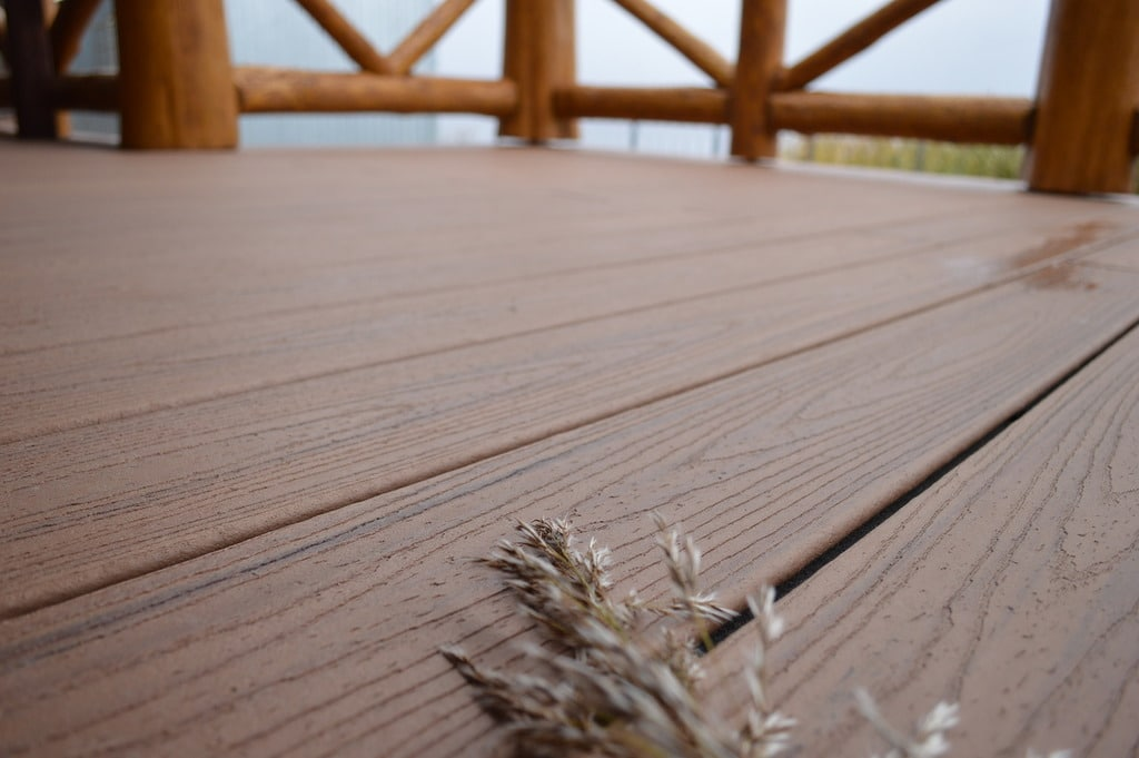 דק למרפסת – TREX מומחים בייצור והתקנה של דקים סינטטיים
