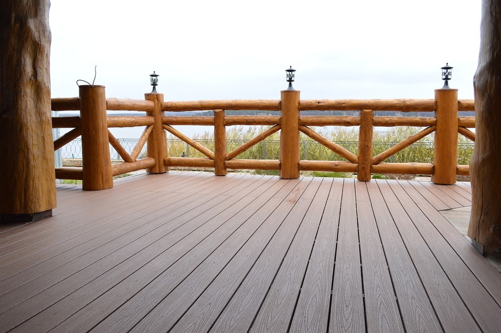 דק למרפסת – TREX
